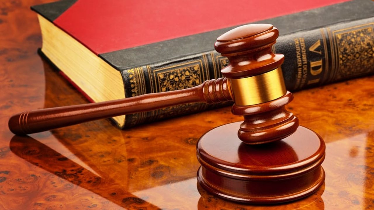 lawyer salary 2019
